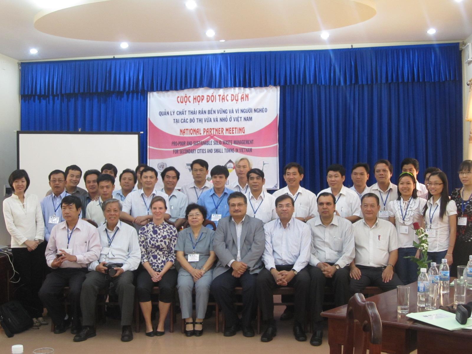 """Gặp mặt đối tác thực hiện dự án """"Quản lý chất thải rắn bền vững vì người nghèo tại các thành phố trung bình và nhỏ ở Việt Nam"""""""